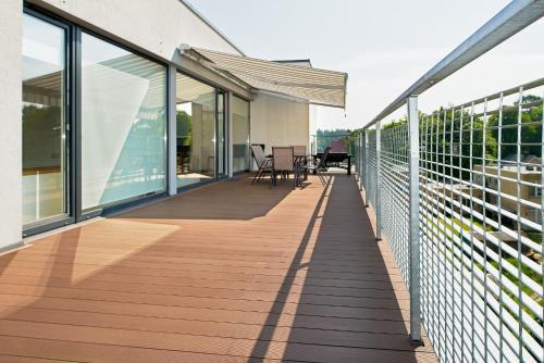 Balkonas arba terasa apgyvendinimo įstaigoje Central Apartment