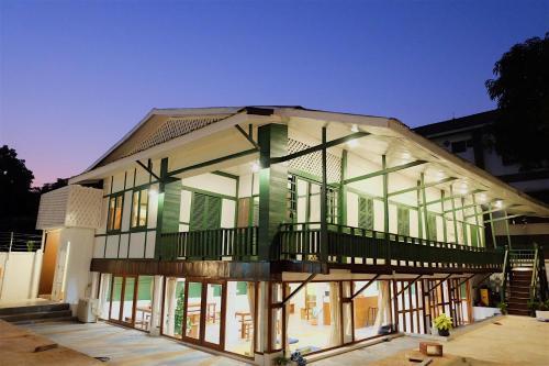 Barn Laos Hostel