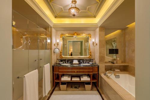 A bathroom at The Leela Palace New Delhi