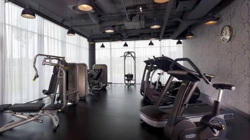 The fitness center and/or fitness facilities at Park Plaza Amsterdam Airport