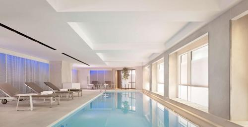 The swimming pool at or close to Park Plaza London Riverbank