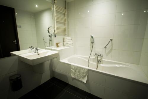 Een badkamer bij Van der Valk Drachten