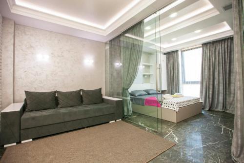 Svetainės erdvė apgyvendinimo įstaigoje DOUBLE SkyHouse Exclusive Apartments