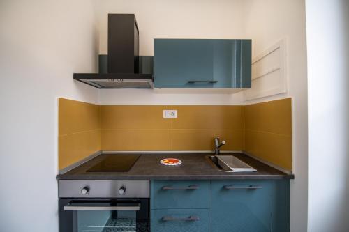 A kitchen or kitchenette at Salerno 1950