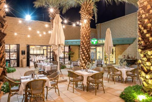 A restaurant or other place to eat at Spa Club Dead Sea Hotel