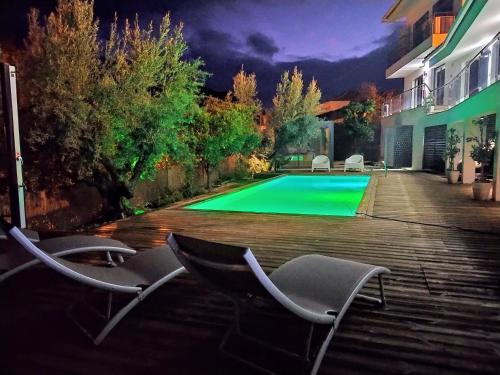 A piscina em ou perto de Vilaportuguesa
