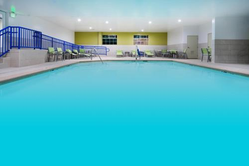 The swimming pool at or near Holiday Inn Express Hotel & Suites Watsonville, an IHG Hotel