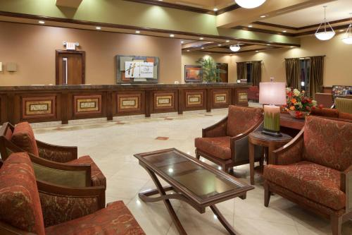 The lounge or bar area at Holiday Inn Club Vacations at Desert Club Resort, an IHG Hotel