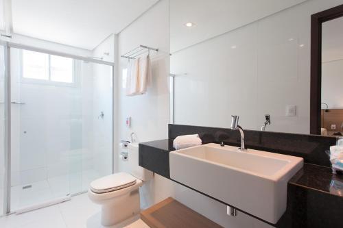 A bathroom at Crocobeach Hotel