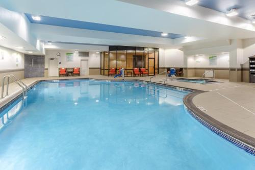 The swimming pool at or close to Holiday Inn Missoula Downtown, an IHG Hotel