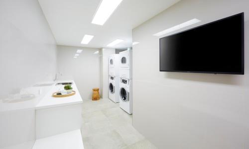 A bathroom at Holiday Inn Express Adelaide City Centre, an IHG Hotel