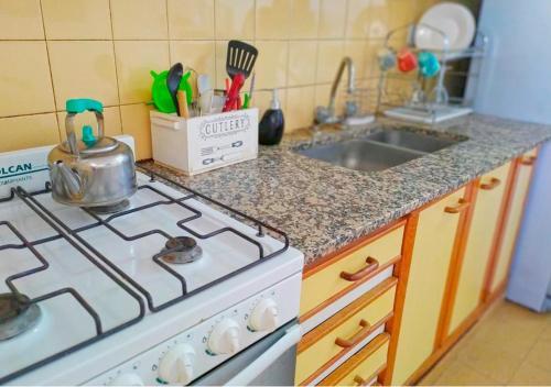 Una cocina o kitchenette en Amplio y Luminoso