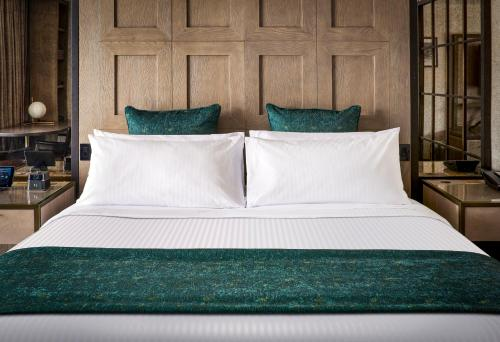 A bed or beds in a room at Lodge Kohler