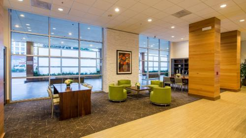 The lobby or reception area at Holiday Inn San Francisco - Golden Gateway, an IHG Hotel
