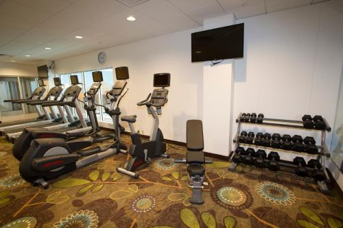 The fitness center and/or fitness facilities at Holiday Inn Morgantown-University Area, an IHG Hotel