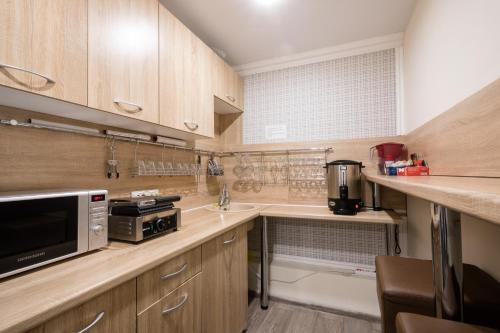 Кухня или мини-кухня в Отель Бегемот Маяковская