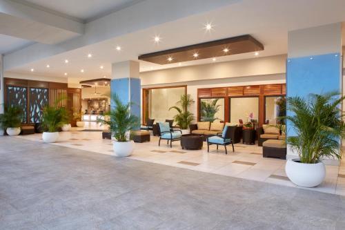 The lobby or reception area at Holiday Inn Express Waikiki, an IHG Hotel