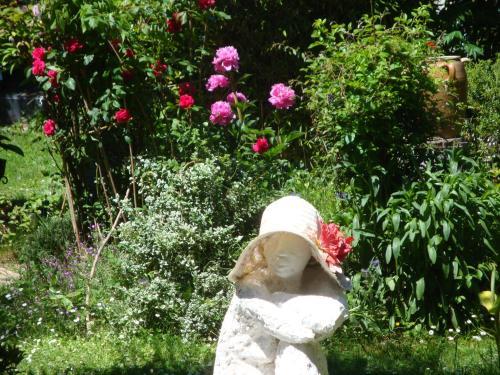 A garden outside Le Logis d'Elisa