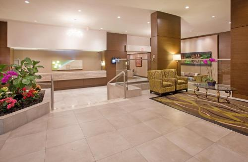 The lobby or reception area at Holiday Inn Vancouver-Centre Broadway, an IHG Hotel