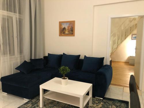 Ein Sitzbereich in der Unterkunft Welcome Hostel & Apartments Praguecentre