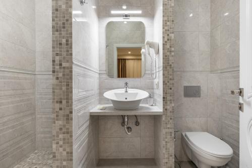 A bathroom at Nevsky Mayak