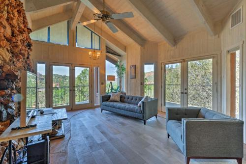 A seating area at Unique Sedona Home with Mountain Views and Guest House