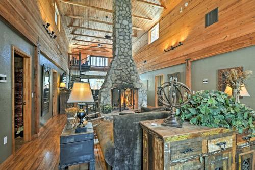A kitchen or kitchenette at Flagstaff Cabin with Fireplace and Fire Pit on 5 Acres!