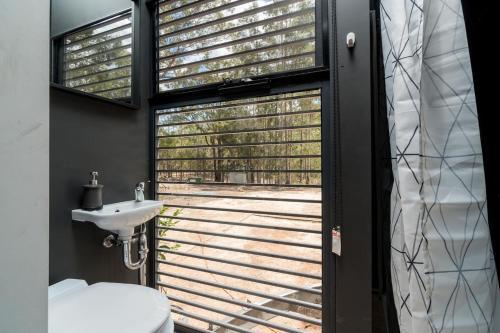 A bathroom at Tiny House 888