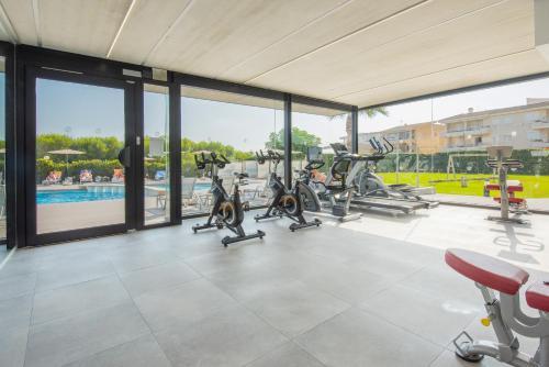 Het fitnesscentrum en/of fitnessfaciliteiten van Aparthotel Dunes Platja