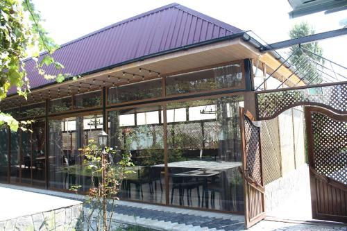 A piscina localizada em Firuze Hotel & Restaurant ou nos arredores