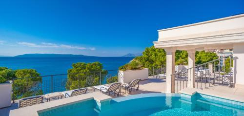 The swimming pool at or close to Luxury Rooms Villa Jadranka