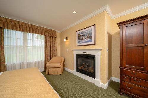 A television and/or entertainment center at Stoweflake Mountain Resort & Spa