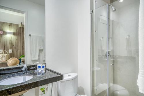 A bathroom at Hotel Praia Bonita Jatiúca