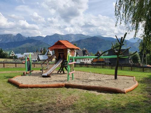 Plac zabaw dla dzieci w obiekcie Góralski Spa - Luksusowa willa z sauną i wanną z hydromasażem