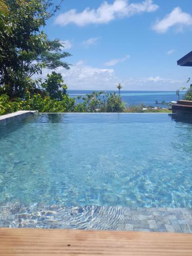A piscina localizada em Faré Mahi Mahi ou nos arredores