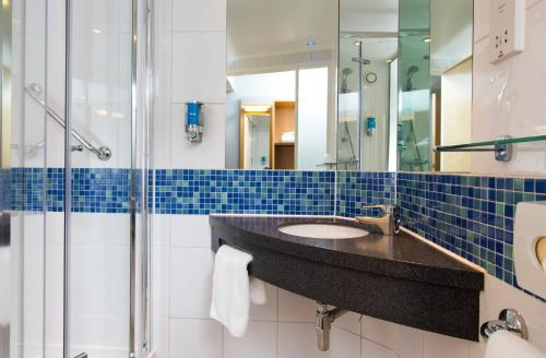 A bathroom at Holiday Inn Express Newcastle City Centre, an IHG Hotel