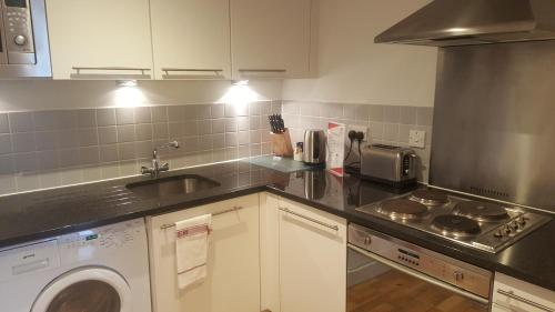 A kitchen or kitchenette at Still Life Liverpool Street