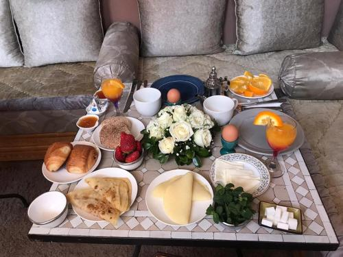 Breakfast options available to guests at Riad Johnboy