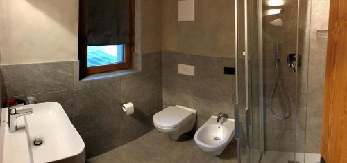 A bathroom at Hotel san Vitale