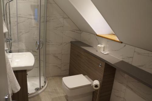 A bathroom at Myrtle Bank Hotel