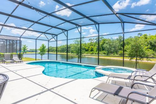 The swimming pool at or close to Golf View Vacation Homes