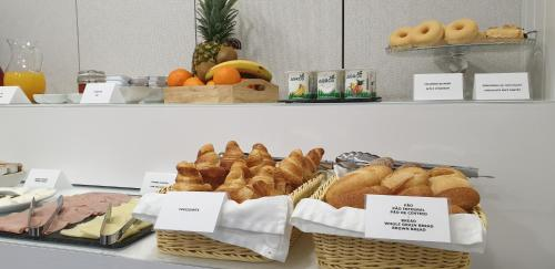 Breakfast options available to guests at MyStay Porto Bolhão