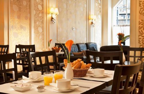 Restaurant ou autre lieu de restauration dans l'établissement Hôtel Gérando