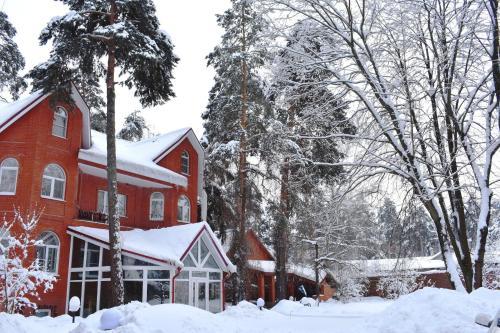 Гостевой Дом Поместье зимой