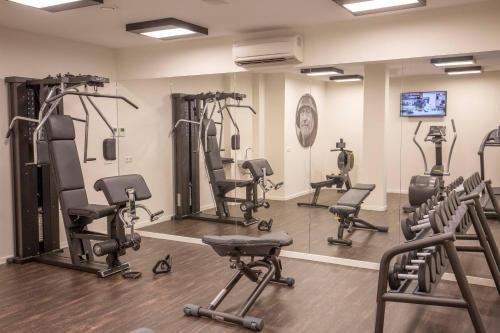 Het fitnesscentrum en/of fitnessfaciliteiten van Fletcher Hotel-Restaurant Het Veerse Meer