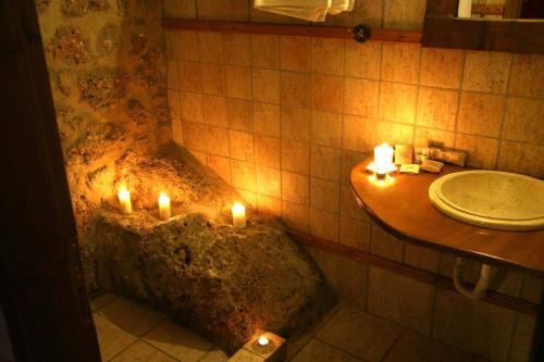 Ένα μπάνιο στο Ξενοδοχείο Πηγή Ταρλαμπά