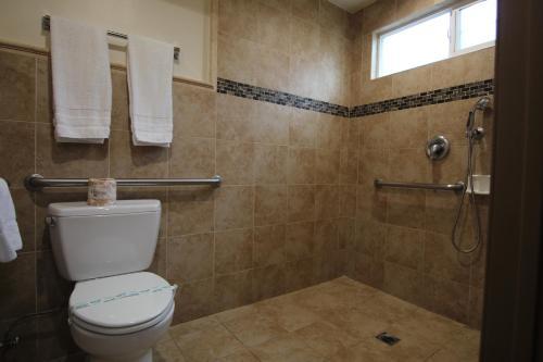 Ванная комната в Dunes Inn - Sunset