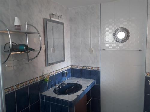 A bathroom at Yanuy Culinary Guest House
