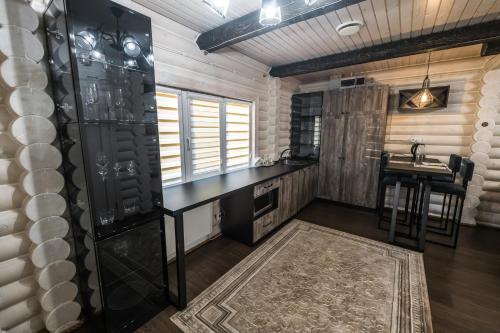 Кухня или мини-кухня в Агроусадьба Подсолнух