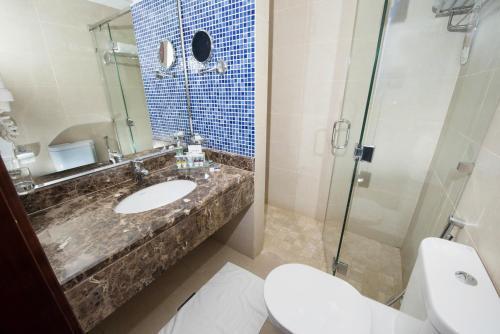 Um banheiro em Mercure Jeddah Al Hamra